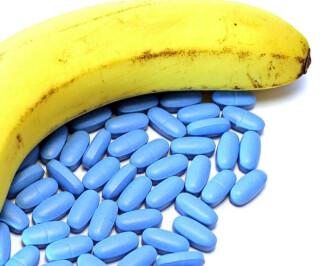 Blaue Pillen und Banane