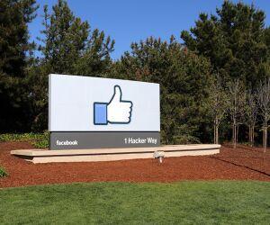 facebook Like daumen in Landschaft
