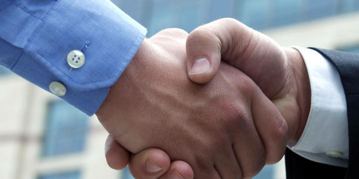 Handschlag von zwei Männern