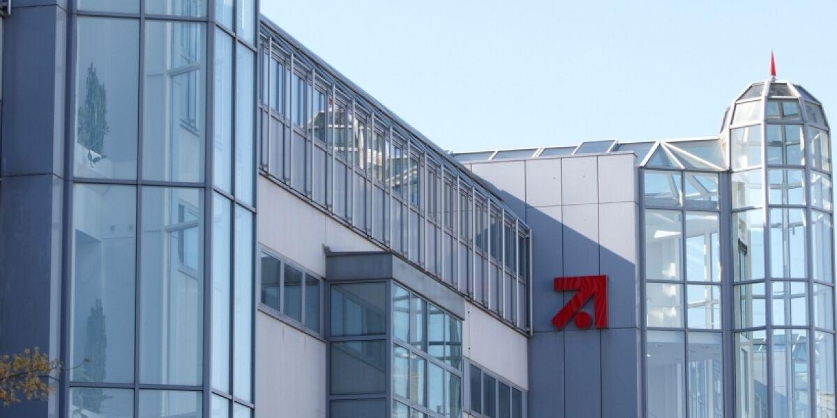 gebäude von ProSiebenSat.1 Media in München/Unterföhring