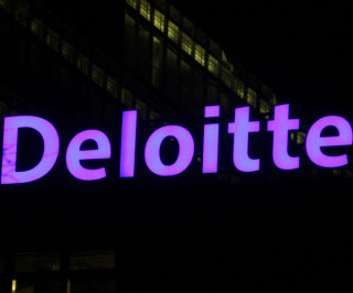 Logo von Deloitte