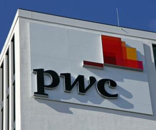 Logo von PwC