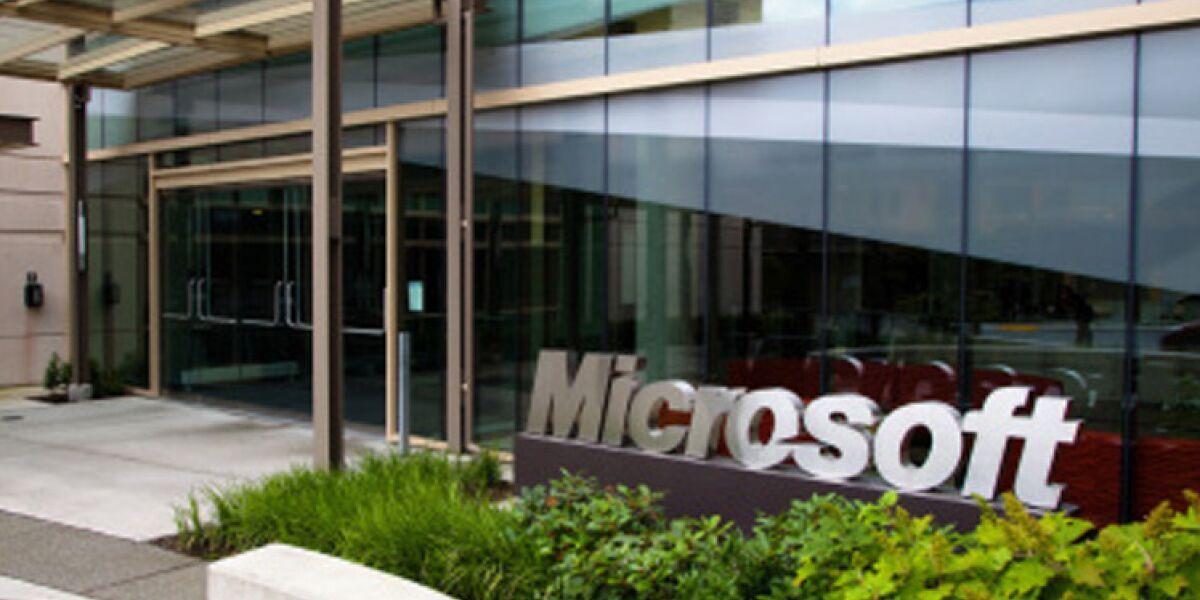 Microsoft-Gebäude mit Logo