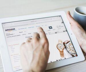 Amazon Website auf einem Tablet