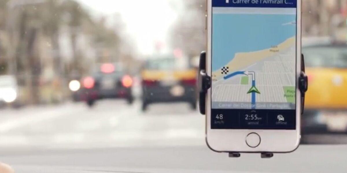 Smartphone-Navi im Auto