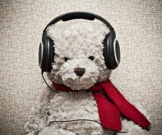 Teddy mit Kopfhörer