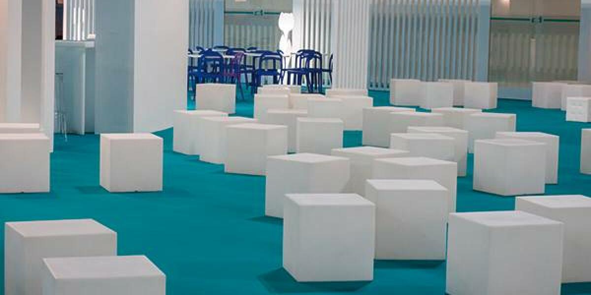Sessel in einer Designer-Lounge