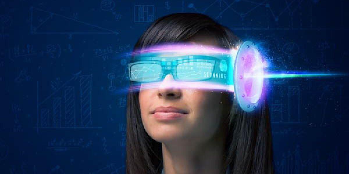 Frau mit VR_Brille