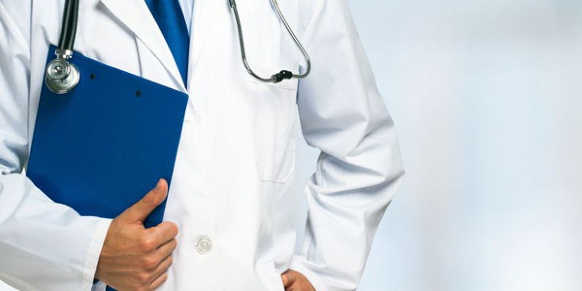 Arzt im Arztkittel