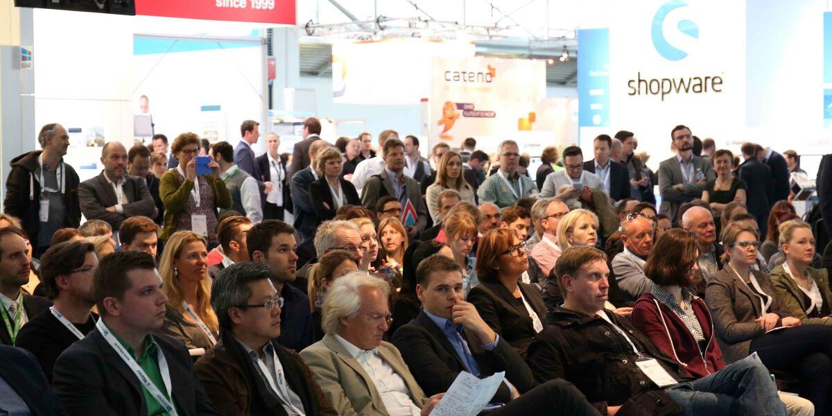 Zuhörer bei der Internet World Messe 2015