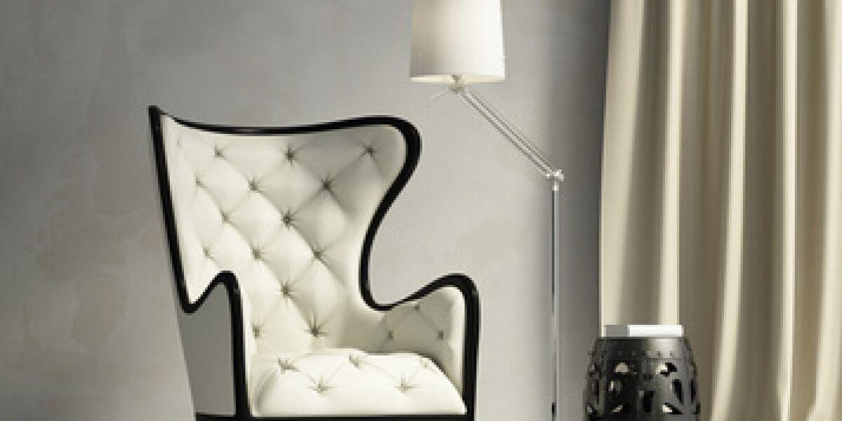 Sessel mit Lampe
