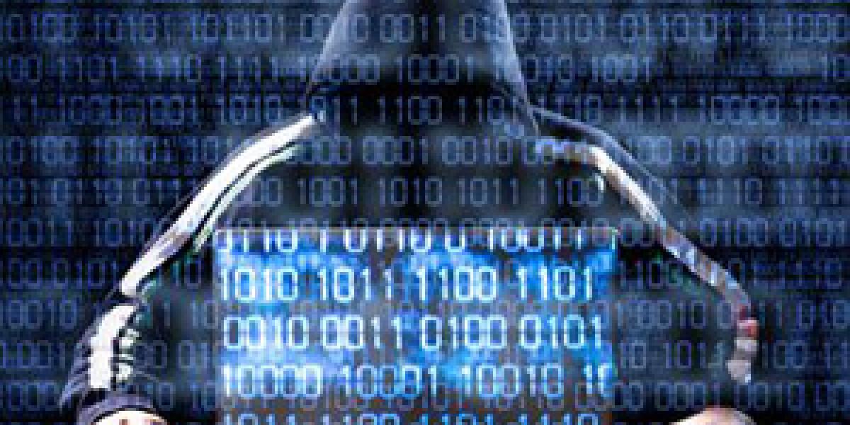 Hacker vor Computer