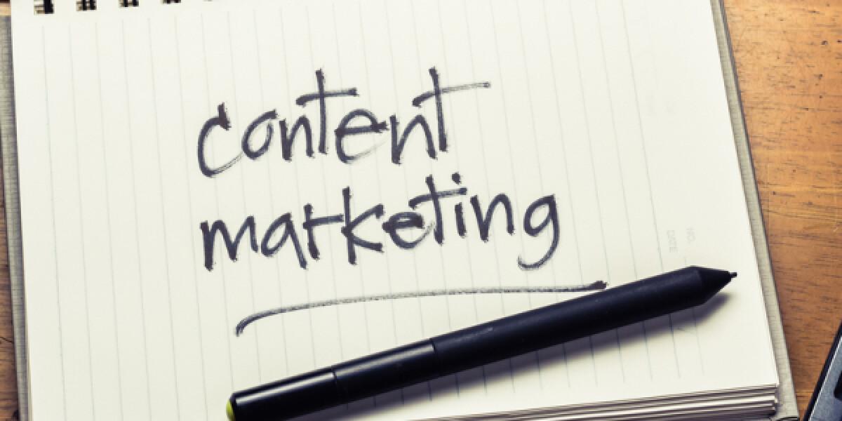 Content Marketing steht auf einem Zettel