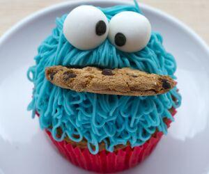 Krümelmonster-Muffin mit Cookie