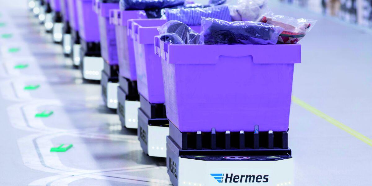 Versandboxen im Lager von Hermes Fulfilment