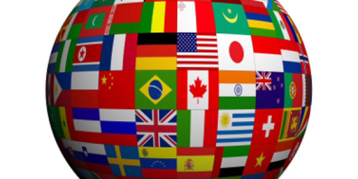 Weltkugel mit Flaggen