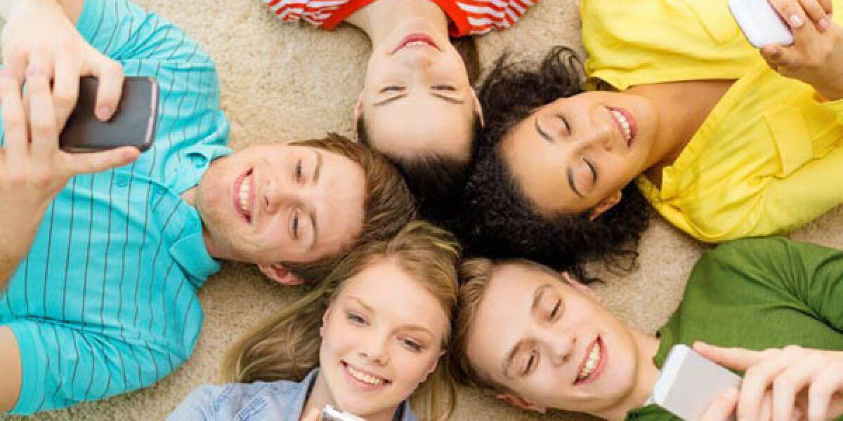 Jugendliche-Smartphone-Chat-Personalisierung
