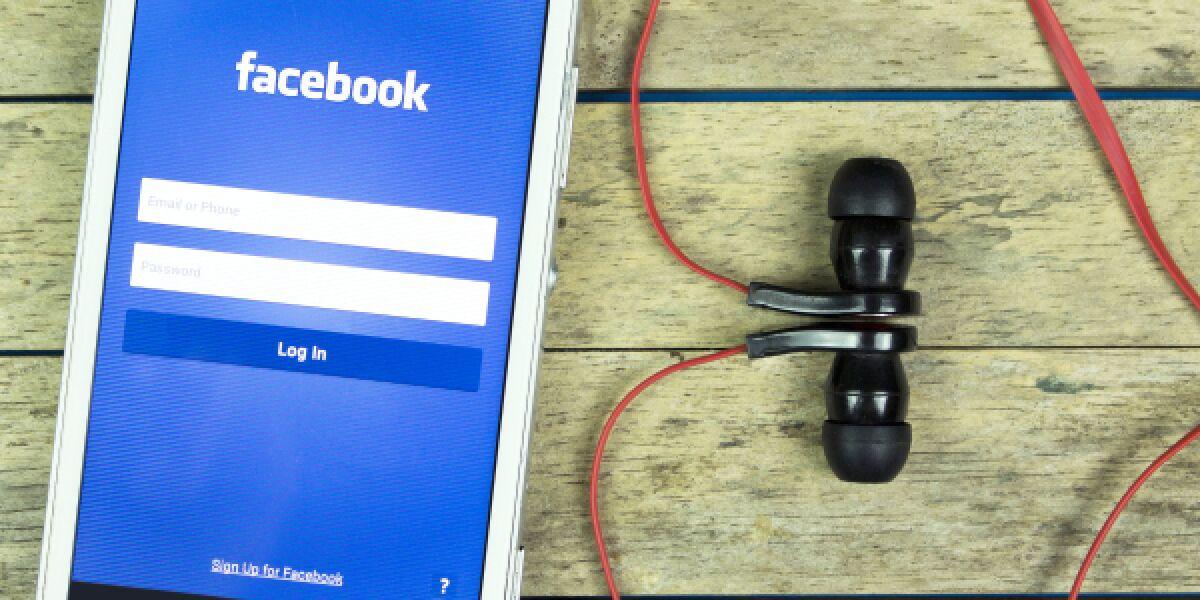 Facebook Earphones