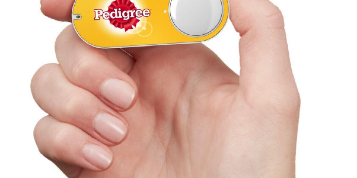 Dash-Button von Pedigree in einer Hand