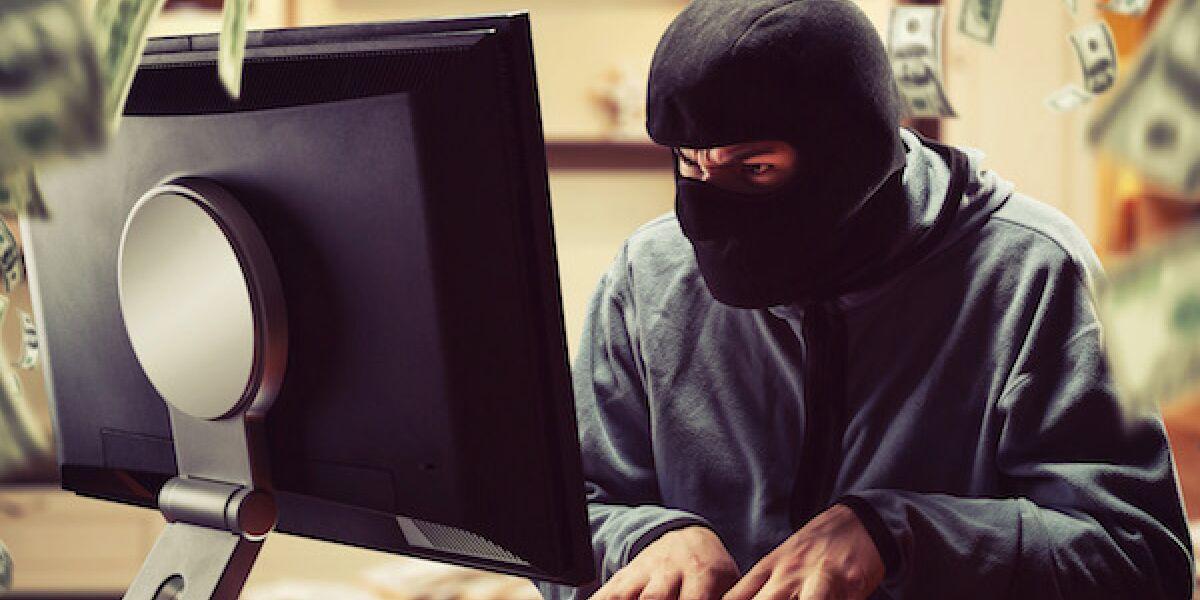 Hacker vor dem Computer