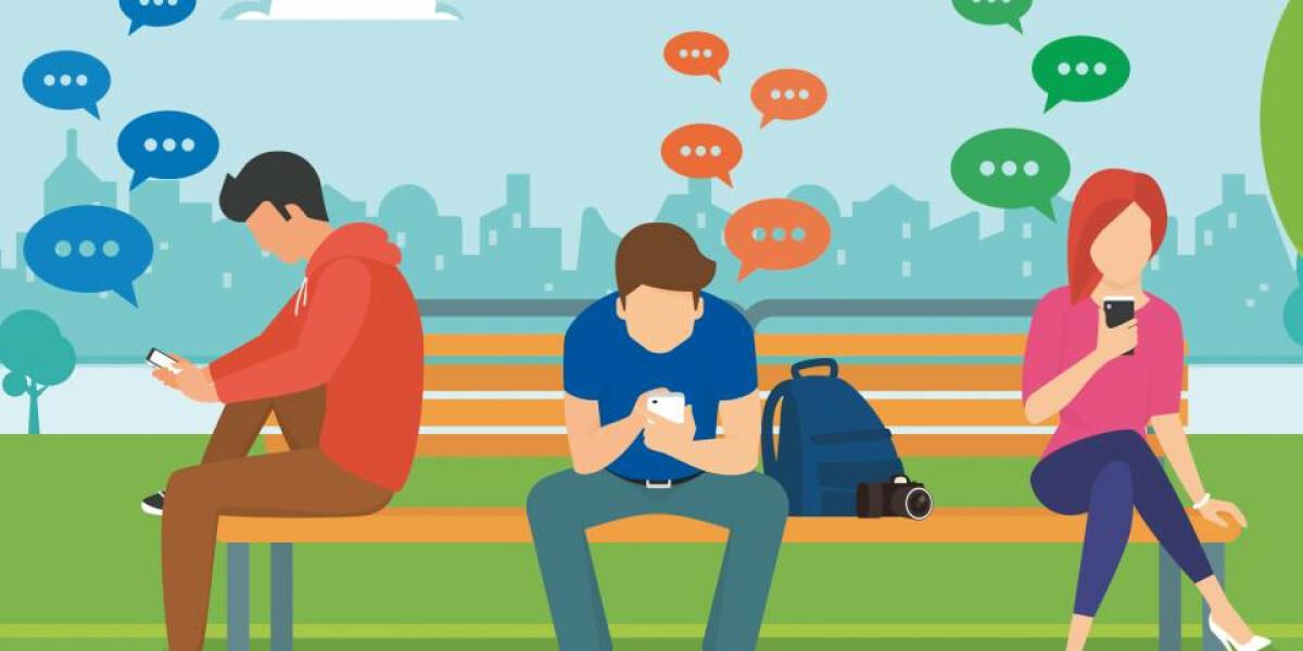 Smartphone-Nutzer auf der bank