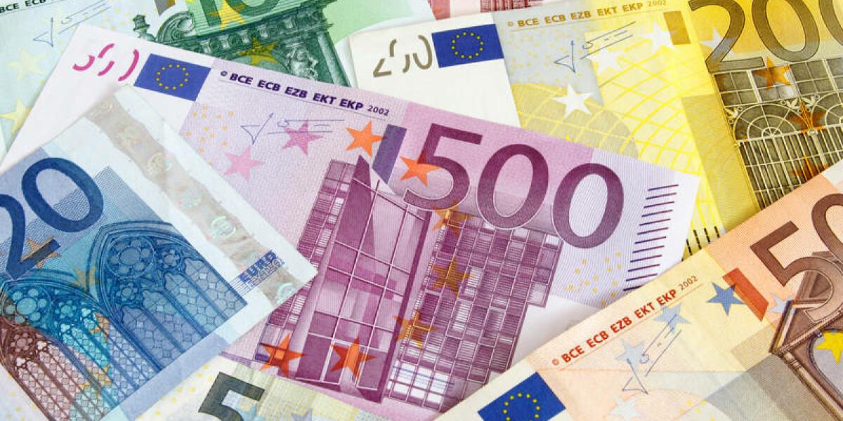 Geldscheine-Payment-Paydirekt-Bezahlen
