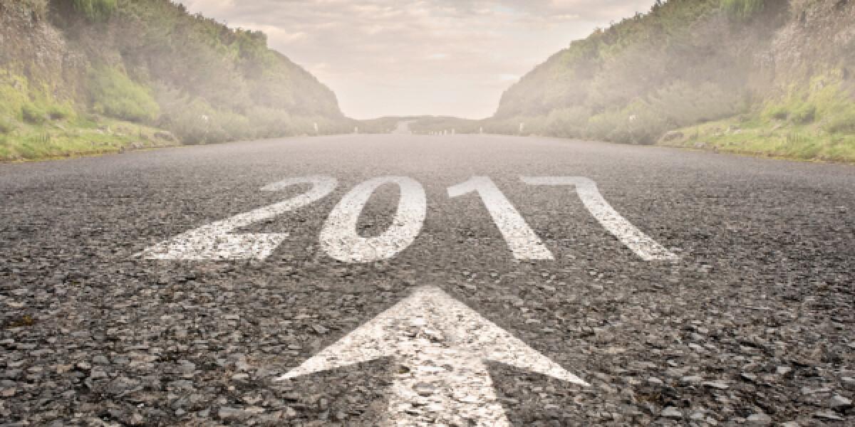 Eine Straße auf der 2017 steht