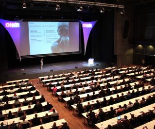 Großer Konferenzsaal auf der OMKB