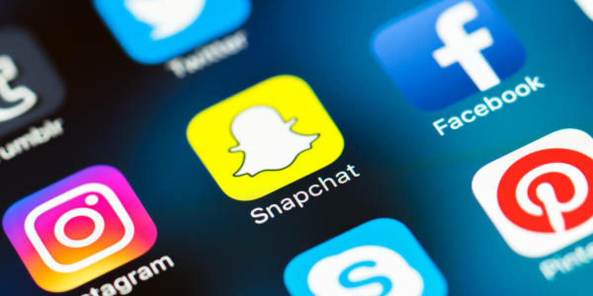 Instagram-Snapchat-Facebook