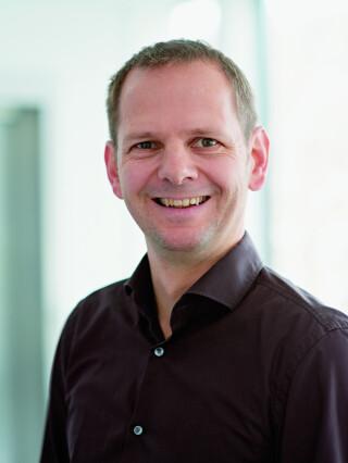 Joachim Schneidmadl, Vorstand Virtual Minds