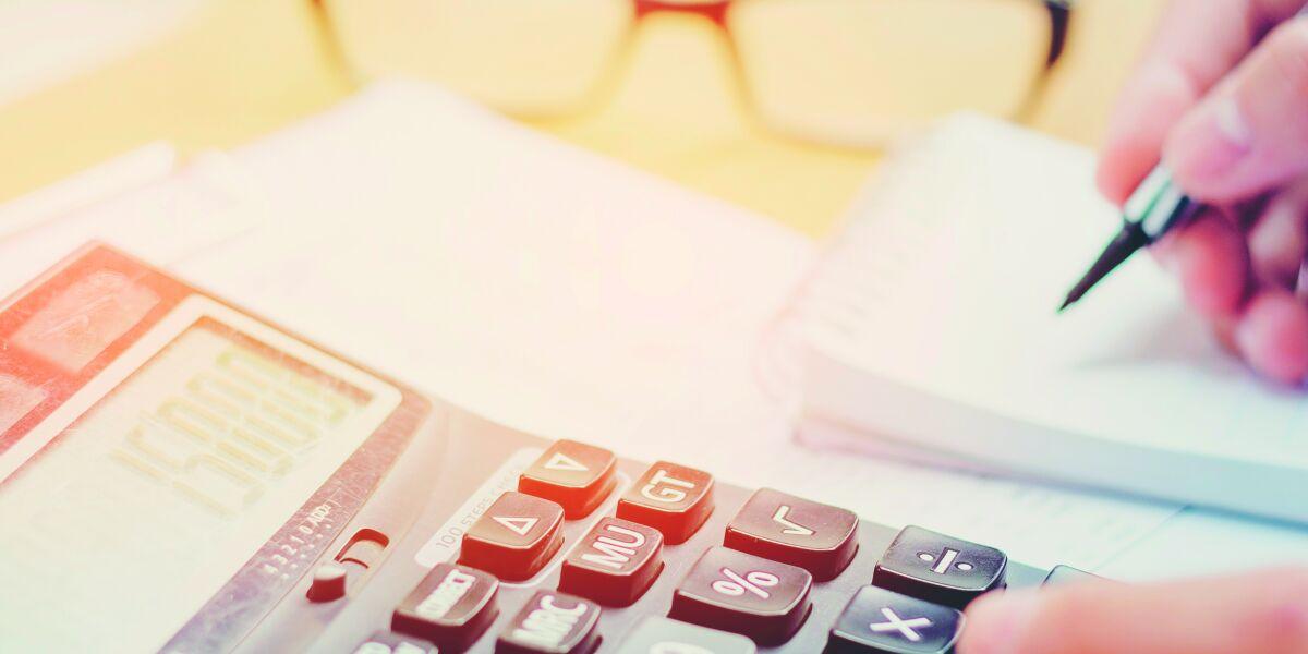 Adtech-Gebühren berechnen