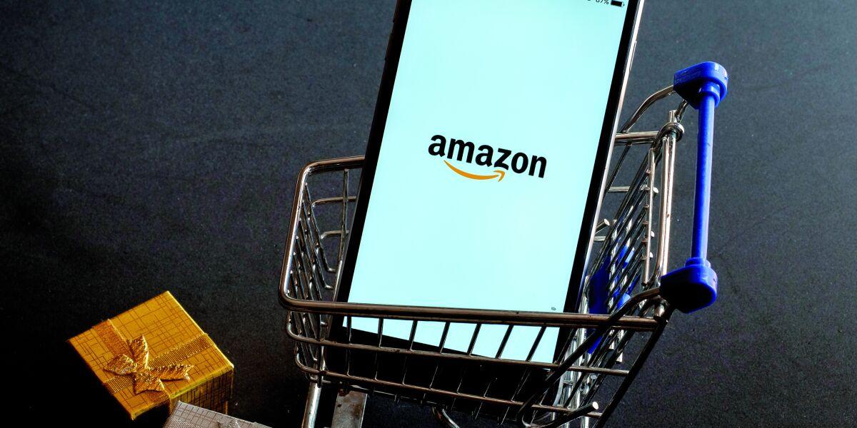Amazon Vendor Seller smartphone mit Amazon screen im Einkaufswagen