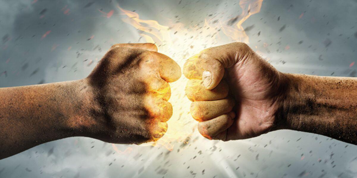 Zwei Fäuste