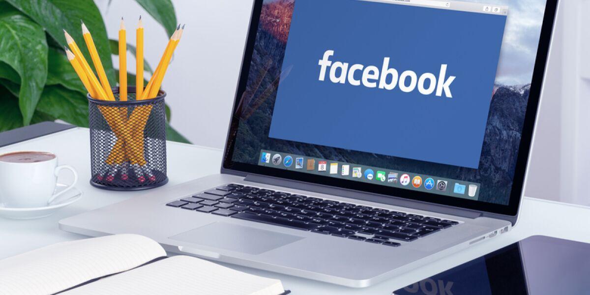 Facebook auf dem Laptop