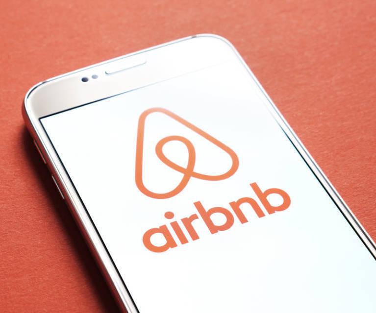 Airbnb-Börsengang erst 2020 - Bericht: Probleme in New York ungelöst