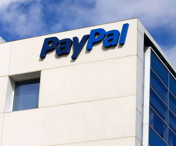 Finanzen: Paypal führt kostenlose Mastercard für Geschäftskonten ein