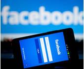 Facebook Website auf dem Smartphone
