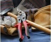 Werkzeug liegt auf einem Haufen