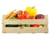 Kiste mit frischem Gemüse