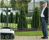 Starship-Roboter begegnet Fußgänger