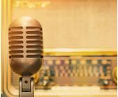 Radio hinter Mikrofon