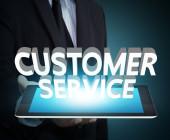 Schriftzug-Customer-Service-auf-Tablet-serviert