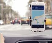 Smartphone-Navigation-im-Auto