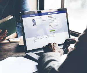 Werbevideos auf Facebook in Dauerschleife