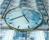 Uhr mit Geld