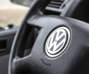 So Greift Volkswagen Mobilede Und Autoscout24de An Internetworldde