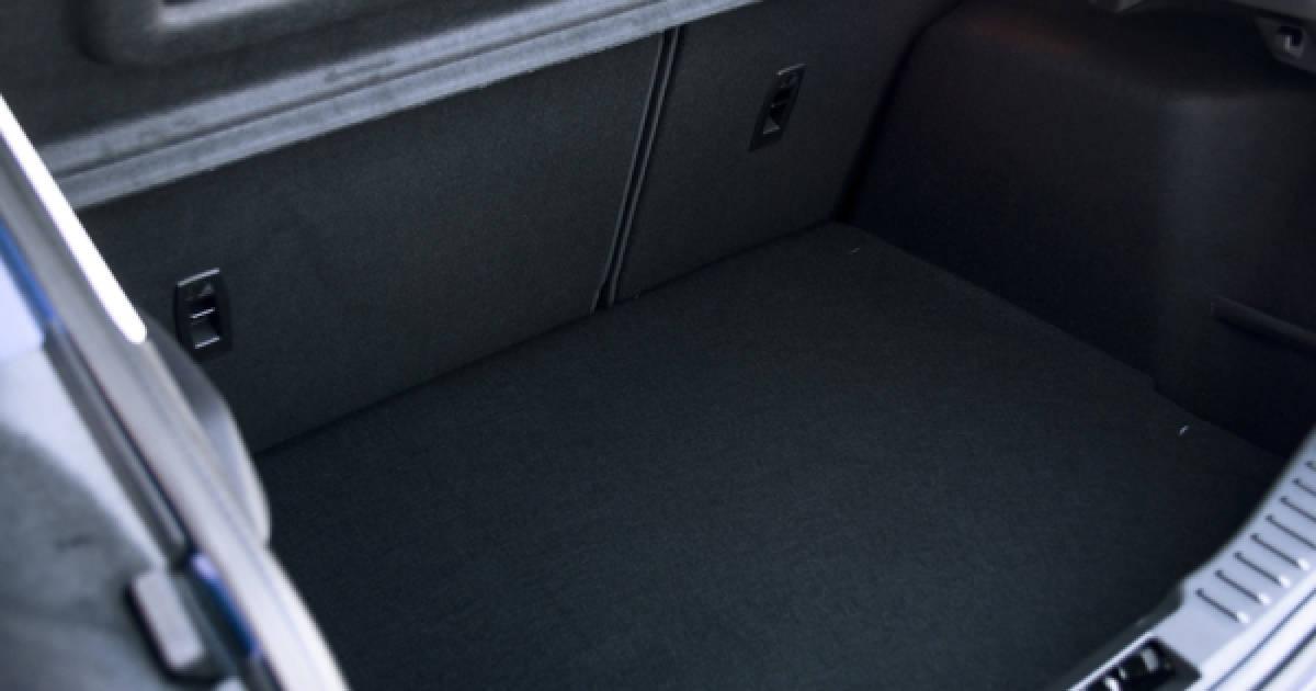 seat zustellung per app in den kofferraum. Black Bedroom Furniture Sets. Home Design Ideas